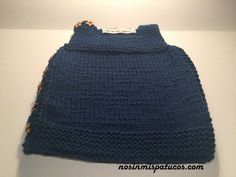 Vestido tejido para bebe. #tejidoamano http://blgs.co/Oj693Y
