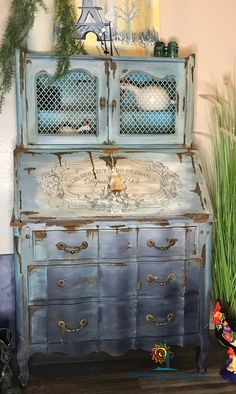 Secretary Meet Blue Jean in Paris. She's a beautiful solid white ash vintage secretary desk. Funky Painted Furniture, Distressed Furniture, Paint Furniture, Repurposed Furniture, Furniture Makeover, Home Furniture, Hutch Furniture, Furniture Plans, Outdoor Furniture