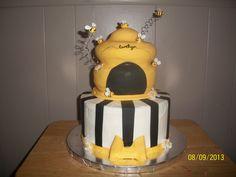 Birthday Cakes - Bumble bee cake hive