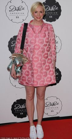 Fearless fashionista: Injecting a playful element to her look, Gwendoline toted a hilarious handbag in the shape of a unicorn, and completed her party ensemble with her signature platinum locks preened to perfection Gwendolyn Christie, Shannon Tweed, Cooler Stil, Tina Louise, Tall Women, Celebs, Celebrities, Outfit Of The Day, Cool Style