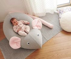 Giant Beanbag for baby kids bean bag huge mouse pouf new Giant Bean Bag Chair, Giant Bean Bags, Baby Bean Bag Chair, Baby Decor, Kids Decor, Kids Bean Bags, Diy Bebe, Furniture Ads, Baby Mouse