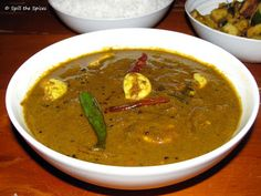 Karuveppilai Poondu Kuzhambu | Curry Leaves Garlic Gravy