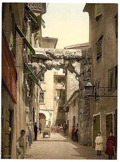 [Fiume, a street, Croatia, Austro-Hungary]