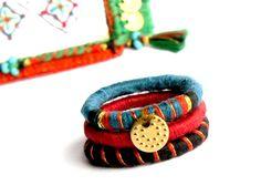 """Bagues ethniques originales bleu rouge trio tissées anti-allergie brodées boheme pampille indienne bijou textile """"TISS-ma-bague!"""""""