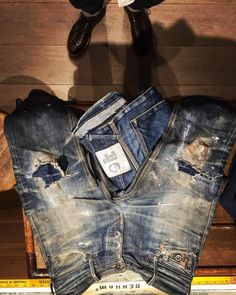 Vintage and new denim, leather, soccer and all things beautiful and magnificent. Raw Denim, Ripped Denim, Edwin Jeans, Nudie Jeans, Destroyed Jeans, Vintage Jeans, Denim Outfit, Trousers, Pants
