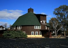 Round Barn Restaurant Spring Green, WI   when we would travel back and forth from wi to indiana or illinois, my cousins and i would always keep a sharp eye out for this restaurant.  they had an animated band and we loved to watch them. they had great food too.