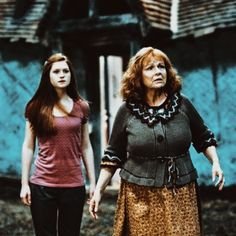 Harry Potter and the Deathly Hallows Part I Ginny and Molly Weasley