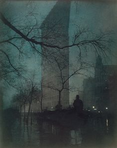 Edward Steichen: Flatiron Building (1904) - Probably my favorite Steichen photo. So peaceful and eerie and alive.