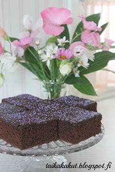 Tätä on pakko kokeilla! Food N, Food And Drink, Wine Recipes, Cooking Recipes, Sweet Pastries, Cake Bars, Sweet Pie, Baking Tips, Sweet Treats