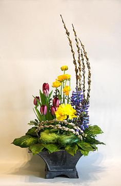 spring floral arrangements | FLOWER ARRANGING BY CHRISSIE HARTEN - DESIGN 352 Liked @ www.homescapes-sd.com #staging San Diego home stager (760) 224-5025 #springdecor