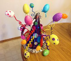 Find 20 cool easter hat parade ideas that you can create with your kids. Keep boredom at bay this Easter with these fun Easter Hat crafts. Boys Easter Hat, Easter Bonnets For Boys, Easter Hat Parade, Easter Crafts For Kids, Easter Ideas, Crafts Toddlers, Hoppy Easter, Easter Bunny, Easter Eggs