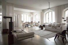 salon-sofa-blanco-casa-familiar-estilo-nordico-escandinavo