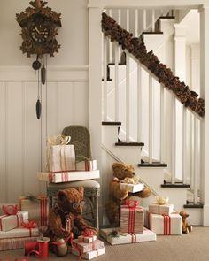 Love the idea of a teddy bear workshop Christmas!