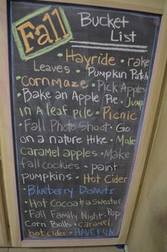 Chalkboard Fall Bucket List -- I love all the seasons but I think Fall may have some of my favorite activities. Herbst Bucket List, Chalk It Up, Chalk Board, Happy Fall Y'all, Do It Yourself Home, Holiday Fun, Holiday Ideas, Thanksgiving Ideas, Fall Crafts