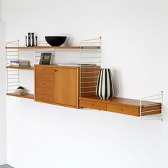 Nisse Strinning Wall-Unit Made in Sweden European Furniture, Vintage Furniture, Furniture Design, String Regal, String Shelf, Modern Shelving, Mid Century Design, Interior Design Living Room, Home And Living