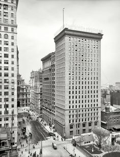 Shorpy Historic Picture Archive :: Big Box: 1905 high-resolution photo