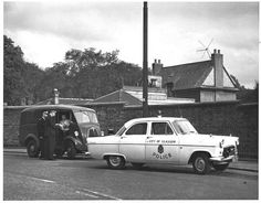 City of Glasgow Police Ford Consul Traffic Car pic undercoverelephant Glasgow Police, British Police Cars, Emergency Vehicles, Police Vehicles, Thing 1, Police Uniforms, Glasgow Scotland, Vintage Travel Posters, British History
