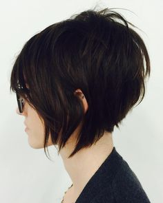 Save this hairstyle idea to get a short textured A-line shag look.