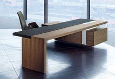 Walter Knoll: CEOO desk