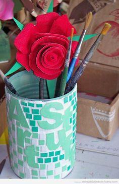 Decoración de latas y botes con foamy, mosaicos y letras