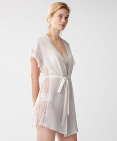 Check out the latest arrivals in women& lingerie at Oysho online. Try our new underwear or lingerie sets. Spring& 2017 trends with just one click! Belle Lingerie, Lingerie Design, Bridal Lingerie, Sexy Lingerie, Lingerie Sets, Pijamas Women, New Underwear, The Bikini, Beautiful Lingerie
