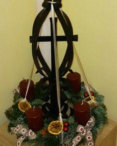 Ladder Decor, Christmas Wreaths, Holiday Decor, Home Decor, Christmas Swags, Homemade Home Decor, Holiday Burlap Wreath, Interior Design, Home Interiors