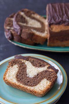 UN CAKE DE CHOCOLATE-VAINILLA FACIL DE HACER CON UN RESULTADO SORPRENDENTE