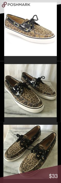 🐆Sperry Biscayne Leopard Boat Shoe Excellent condition and very clean. Upper is like new. Features a stunning leopard print upper with patent trim, cushioned insoles and rubber outsoles. Sz 10M. Thanks! 💤💋💋💤 Sperry Top-Sider Shoes Flats & Loafers