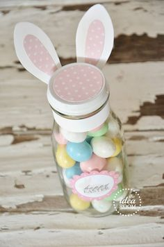Looking for some simple and easy Easter Gift Ideas? Make this fun and unique Easter Bunny Gift bottles filled with candy or your favorite drink. Hoppy Easter, Easter Bunny, Easter Eggs, Easter Table, Easter Food, Easter Party, Easter Gift, Easter Decor, Homemade Teacher Gifts