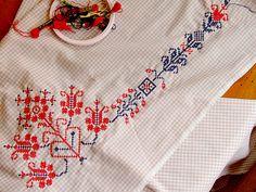 Folk inspired cross stitch, by  Alicia Paulson
