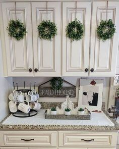 Best rustic farmhouse kitchen cabinet makeover ideas (46)