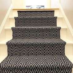 One of my favorite ways to instantly add style, personality, and color to someone's home is to add aDash & Albert stair runner. Foyer Staircase, Carpet Staircase, Foyer Design, Diy Design, Dash And Albert, Painted Stairs, Foyer Decorating, Patterned Carpet, Indoor Outdoor Rugs