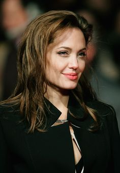 Celebrities - Angelina Jolie Photos collection You can visit our site to see other photos. Angelina Jolie Fotos, Angelina Jolie Makeup, Angelina Jolie Pictures, Brad And Angelina, Angilina Jolie, Jolie Pitt, Tomb Raider Angelina Jolie, Brad And Angie, World Most Beautiful Woman