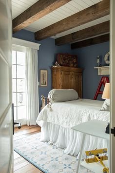 Vintage Whites Blog: A Rustic, Charming Home with Class featuring #DashandAlbert's Navy Star Wool Micro Hooked Rug.