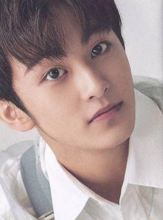 I love his eyes #NCT #MARK