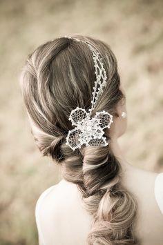 Tiara-Bride-+-Flor-Bolotinha.jpg (496×747)