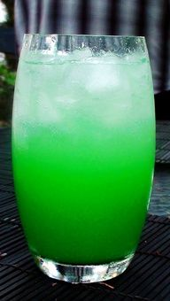 A Summer Dream cocktail! Pour 1 oz vodka, 1 oz coconut rum, 1/2 oz blue carcaceo, 1/2 cup pineapple juice into a highball glass filled with crushed ice. Stir and top with 7 Up or Fresca.
