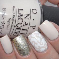 Two Elegant Twists for double the fabulousness✨ Manicure by @carlysisoka - Elegant Twist #NailVinyls www.snailvinyls.com