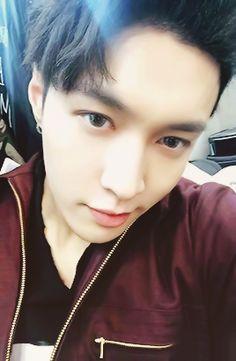 Lay 레이    Zhang Yixing 張藝興    EXO    1991    177cm    Main Dancer    Vocal    Chinese