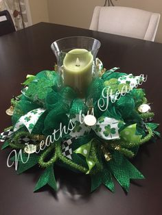 St Patrick's Day wreath or centerpiece #StPatricksDaywreath #StPatricksDaycenterpeice https://www.facebook.com/pages/Wreaths-by-Ileana/690079201043178