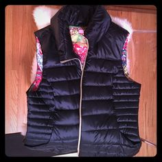 Lilly Pultizer navy blue puffer vest Like new condition Lilly Pulitzer Jackets & Coats Vests