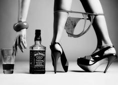 Beautiful colorful pictures and Gifs: Sensual Drink Whiskey Girl, Lumiere Photo, Foto Glamour, Motard Sexy, Colorful Pictures, Beautiful Pictures, Erotic Art, Sensual, Belle Photo