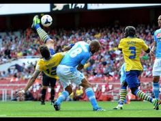 Arsenal 1 Napoli 2 : Giroud Overhead Kick Goal