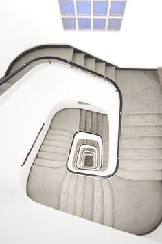 ClosE To HeaveN ! - Vienne, escalier, vertigo, vertigooo, autriche, highkey, bleu, paradis, europe, austria, wien, Austria, Rio, Minimal, Heaven, Europe, Style, Swag, Sky, Heavens