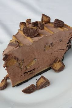 Reese Cup Pie...Oh, wow!  I just about passed out when I saw this!  :)