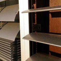 Venkovní žaluzi C80 pod omítku - realizace Brno Blinds, Woodworking, Desk, Curtains, Furniture, Home Decor, Desktop, Decoration Home, Room Decor