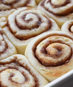 This gluten-free cinnamon rolls with cream cheese icing recipe is warm, gooey and just as mouth watering as the real thing—score! - Everyday Dishes & DIY
