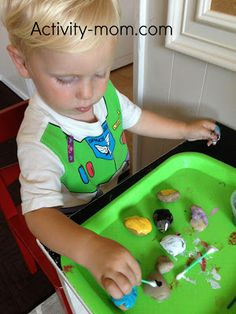 The Activity Mom: Fun with Paint for Toddlers