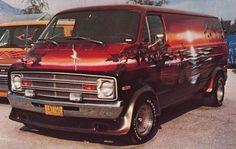 Custom Vans, the rolling room, the king of the road, the shaggin wagon. Van sitings are getting fewer and far between. I feel it was just ye... Dodge Van, Chevy Van, Station Wagon, Classic Trucks, Classic Cars, Custom Van Interior, Vans Top, Old School Vans, Day Van
