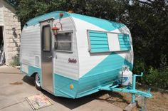 Looking for a pull-behind camper for your travel needs? Pull-behind campers can be a great way to ensure that your journey is fun and more, and they are less ex Vintage Campers Trailers, Vintage Caravans, Scotty Camper, Serro Scotty, Airstream, Pull Behind Campers, Travel Trailer Accessories, Camper Tops, Camper Trailers